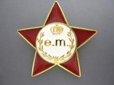 e.m.(イーエム)のブローチ
