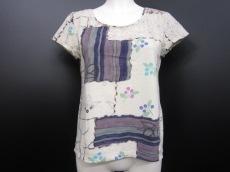iocommeio(イオコムイオ センソユニコ)のTシャツ