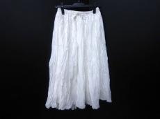 SOIL(ソイル)のスカート