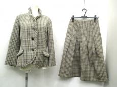 iocommeio(イオコムイオ センソユニコ)のスカートスーツ