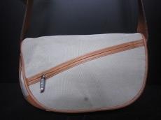 PELLE BORSA(ペレボルサ)のショルダーバッグ