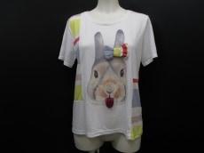 bortsprungt.(ボシュプルメット)のTシャツ