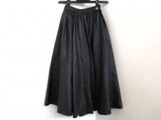 aprés(アプレス)のスカート