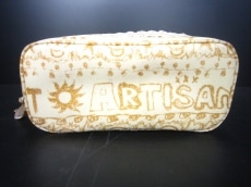 ARTISAN&ARTIST(アルティザン&アーティスト)のポーチ