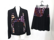 EMILIOPUCCI(エミリオプッチ)のスカートスーツ