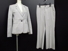 Gabardine K.T(ギャバジンケーティ)のレディースパンツスーツ