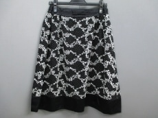 FRANCOFERRARO(フランコフェラーロ)のスカート