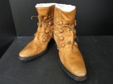 d/him(ディーヒム)のブーツ