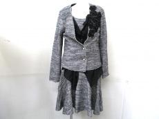 Re.Verofonna(ヴェロフォンナ)のワンピーススーツ