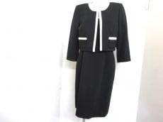 TAHARI(タハリ)のワンピーススーツ