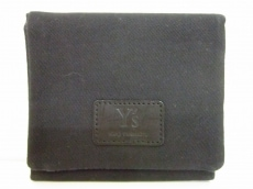 Y's(ワイズ)の3つ折り財布