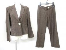 pierre cardin(ピエールカルダン)のレディースパンツスーツ