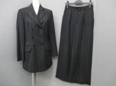 ALBERTA FERRETTI(アルベルタ・フェレッティ)のレディースパンツスーツ