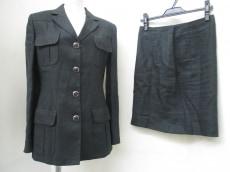VERSACESPORT(ヴェルサーチスポーツ)のスカートスーツ
