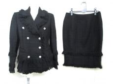 VERSACE(ヴェルサーチ)のスカートスーツ