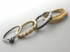 iosselliani(イオッセリアーニ)のリング