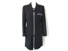 GIANNIVERSACE(ジャンニヴェルサーチ)のワンピーススーツ