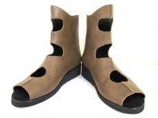 慈雨(ジウ/センソユニコ)のブーツ
