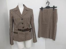 PHILOSOPHY di ALBERTA FERRETTI(フィロソフィーディアルベルタフェレッティ)のスカートスーツ
