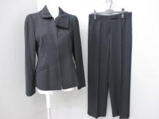 ARMANICOLLEZIONI(アルマーニコレッツォーニ)のレディースパンツスーツ