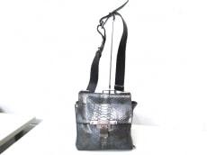 KENNETH COLE(ケネスコール)のショルダーバッグ