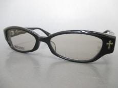 A'rossvy(ロズヴィー)のサングラス