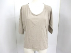 evameva(エヴァムエヴァ)のTシャツ