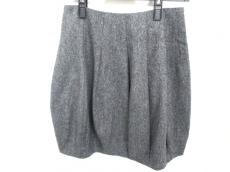 LORENA ANTONIAZZI(ロレーナ アントニアッジ)のスカート