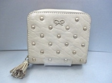 AnyaHindmarch(アニヤハインドマーチ)の2つ折り財布