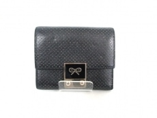 AnyaHindmarch(アニヤハインドマーチ)の3つ折り財布