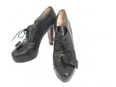 tibi(ティビ)のブーツ