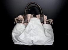 PAPILLONNER(パピヨネ)のハンドバッグ