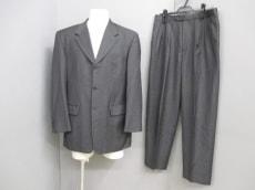 Ungaro(ウンガロ)のメンズスーツ