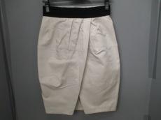GiAMBATTiSTA VALLi(ジャンバティスタヴァリ)のスカート