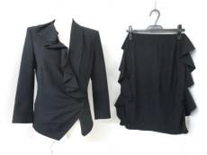 ALEXANDERMcQUEEN(アレキサンダーマックイーン)のスカートスーツ