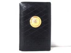 GIANNIVERSACE(ジャンニヴェルサーチ)のカードケース