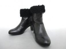 TRU TRUSSARDI(トゥルートラサルディ)のブーツ