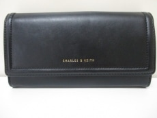 CHARLES&KEITH(チャールズ&キース)の長財布