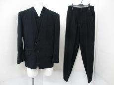 ISSEYMIYAKE(イッセイミヤケ)のメンズスーツ