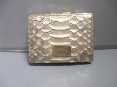 GIORGIOARMANI(ジョルジオアルマーニ)の3つ折り財布