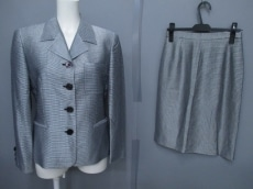 GIANFRANCOFERRE(ジャンフランコフェレ)のスカートスーツ