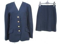 KARLLAGERFELD(カールラガーフェルド)のスカートスーツ