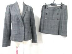Jewel Changes(ジュエルチェンジズ)のスカートスーツ