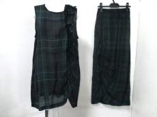 pour deux(プルドゥ)のスカートセットアップ