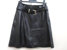 YUKI BELLE FEMME(ユキベルファム)のスカート