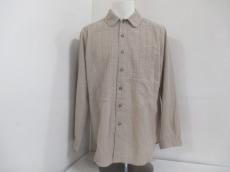 i+mu(イム/センソユニコ)のシャツ