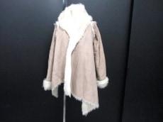 UNIF(ユニフ)のコート
