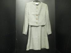 Mademoiselle Dior(マドモアゼルディオール)のワンピーススーツ