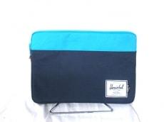 HERSCHEL(ハーシェル)のセカンドバッグ