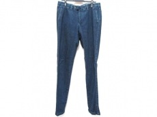 Cinquanta(チンクアンタ)のジーンズ